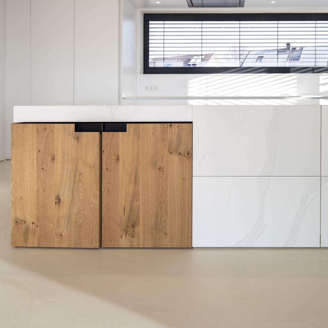 Manufaktur-Küche weiß und Holz